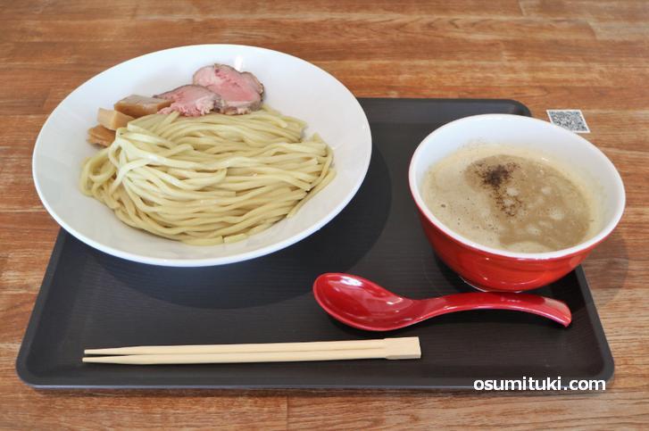 つけ麺(320g)は800円