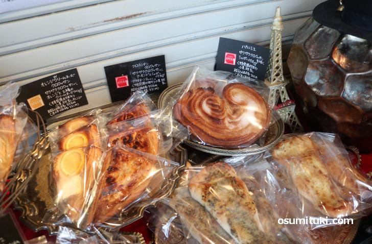 パイ生地のパンやハード系パンが主流です