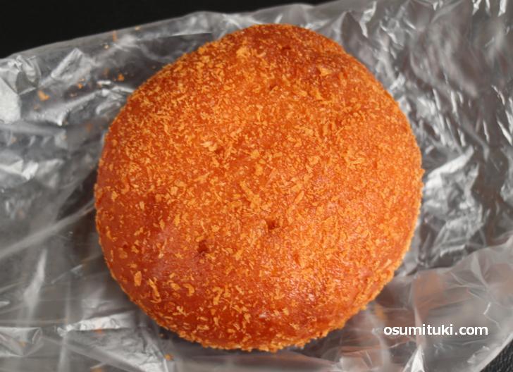 これは「カレーフライ」というパンです