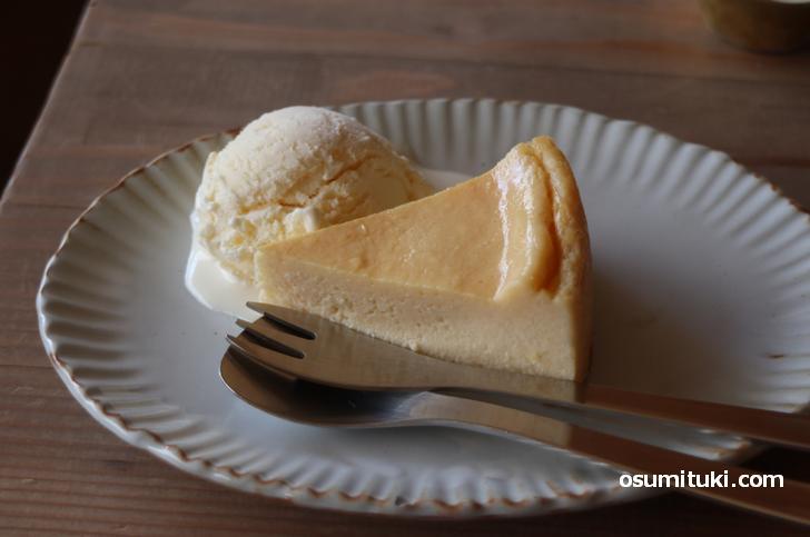 しっかりとした固さのチーズケーキです