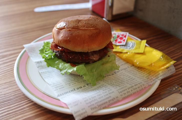 ハンバーガー(600円)から