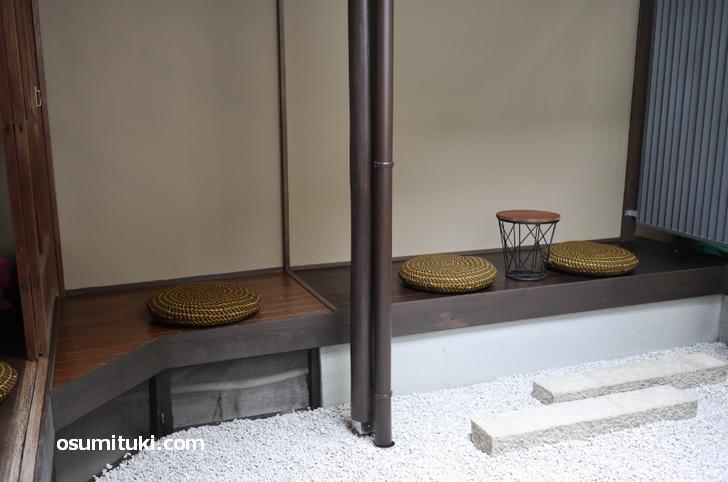 坪庭のテラス席