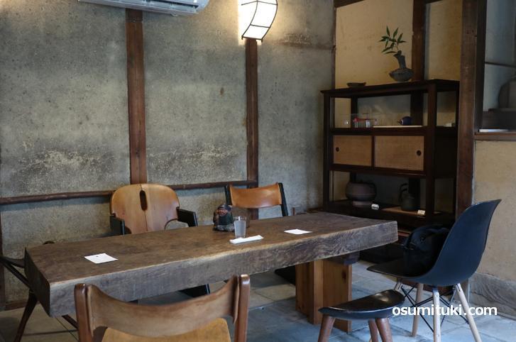 茶房 吉祥庵、古民家をそのまま使った格調高い雰囲気です