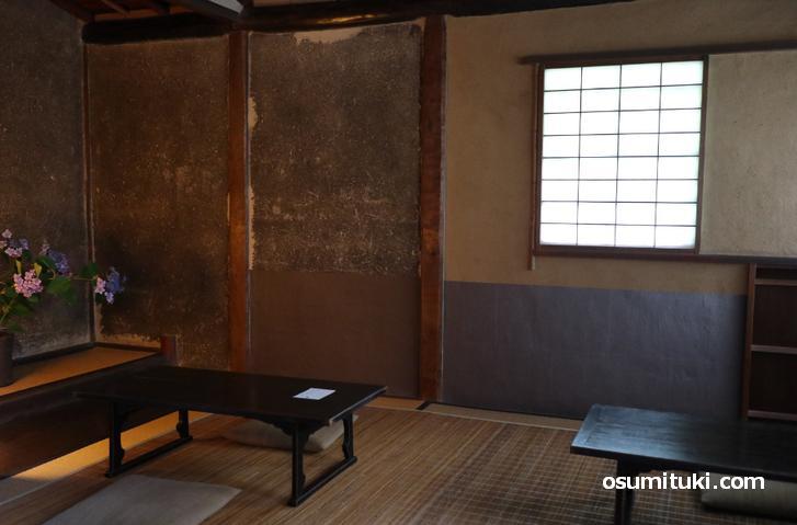 和室は時代劇の隠居生活に出てきそうな雰囲気