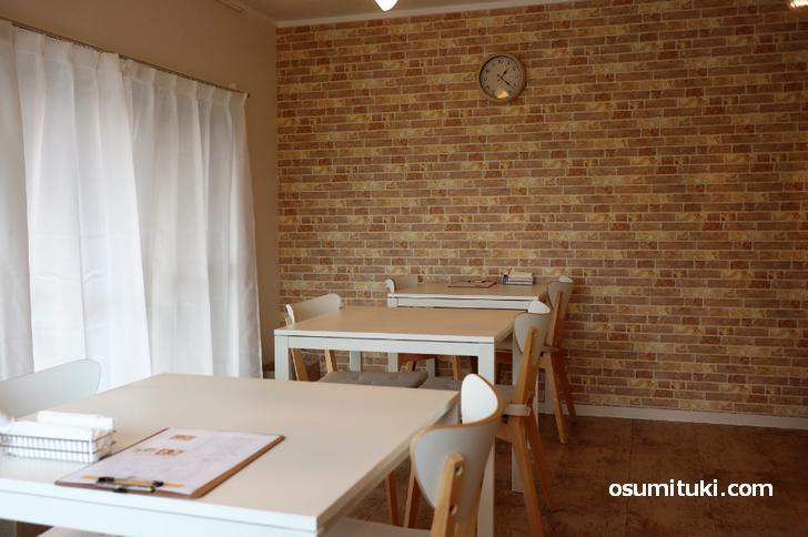 パン屋さんですがカフェも併設されています