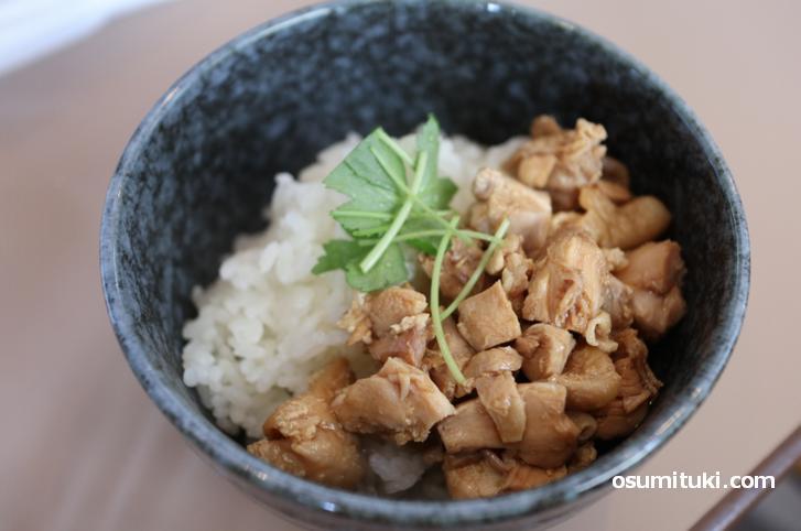 鶏丼(300円)※ラーメンにセットなら150円