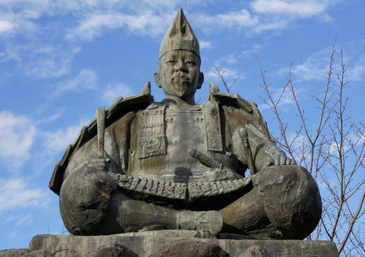 源頼朝など鎌倉武士を専門に扱うペーパークラフト工房が『人生の楽園』で紹介