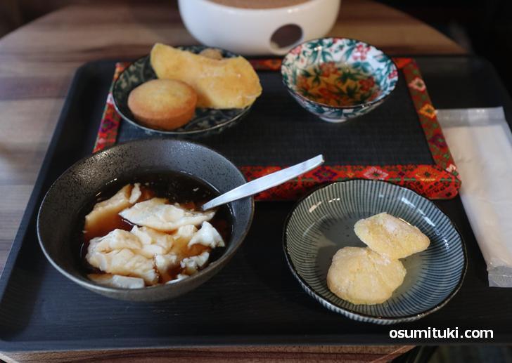 豆花(トウファ)は豆腐みたいな味です