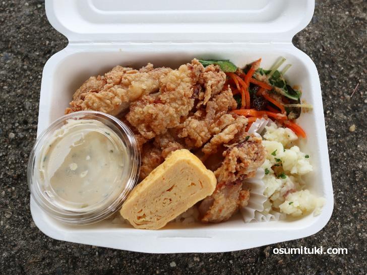 フライドチキンの弁当(600円)