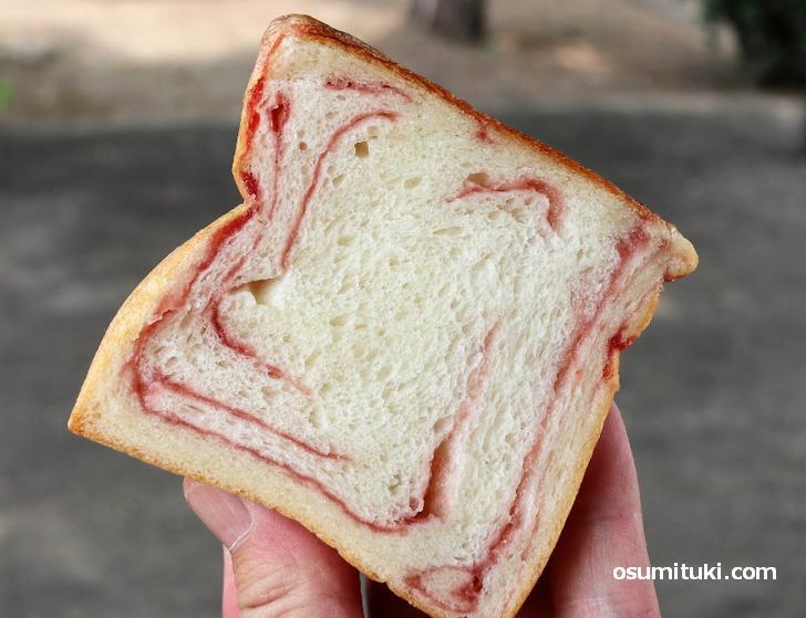 一口食べて「あ、これ美味いな」と思うデニッシュパン