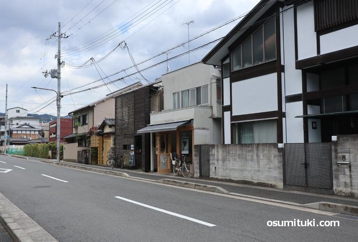 お店の場所は京都の松ケ崎駅から徒歩5分のところ