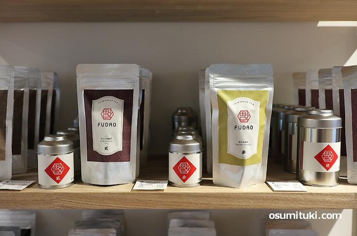オリジナルブランドの茶葉も販売しています