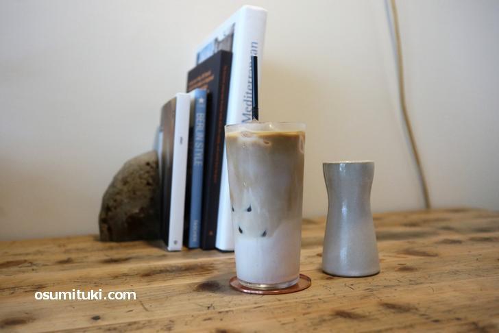 カフェラテ(600円)はミルクのコクがエスプレッソで増幅されたナイスなお味