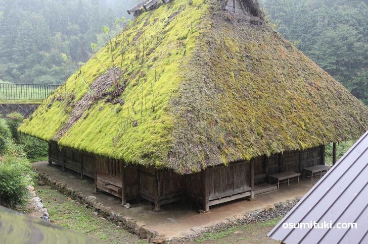 日本最古の農家「石田家住宅」は京都府南丹市美山町樫原の山中にあります