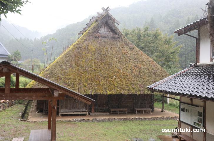 土日祝であれば見学も可能「石田家住宅」