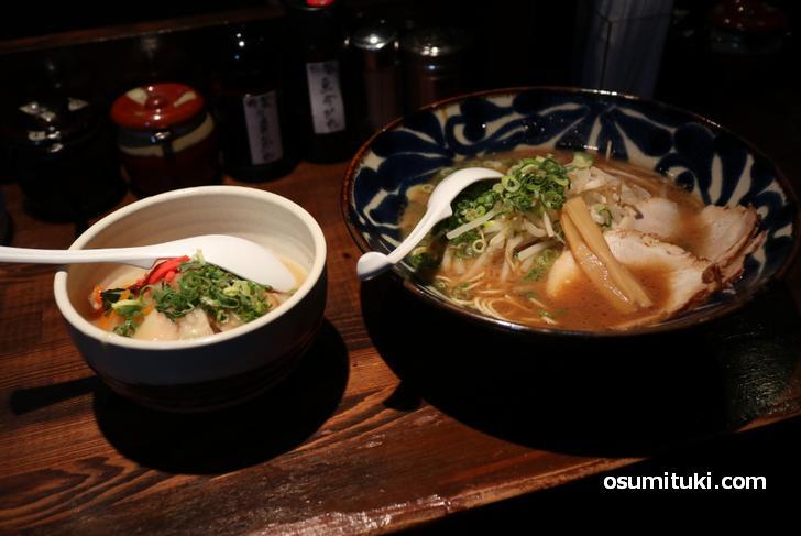 豚骨醤油ラーメンと日替わり丼(中華丼)のセットで1000円