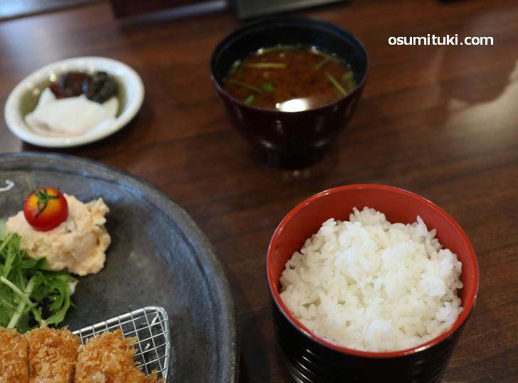 米は園部産のキヌヒカリ