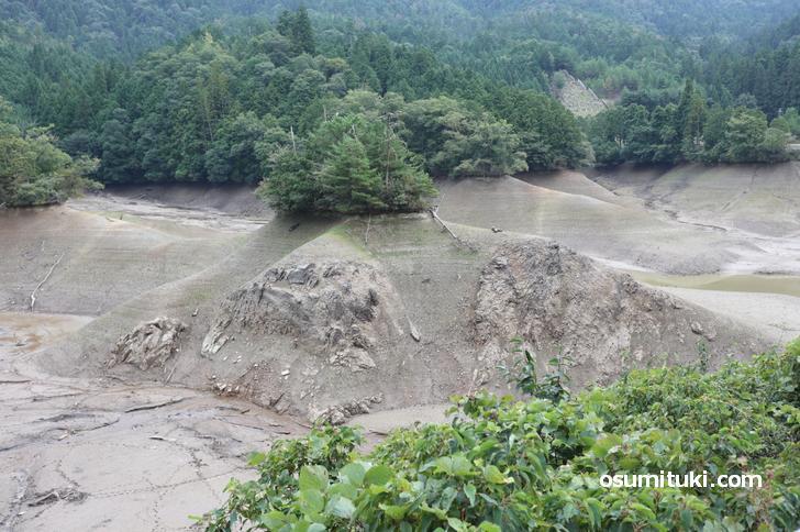 神吉池(廻り田池)は稲作が終わる秋に水が抜かれます