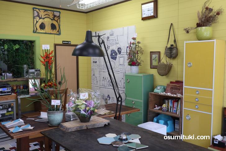 独特の空間、店主さんは沖縄好きだそうです