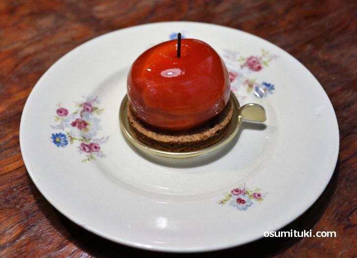 ポム・テ・タタン・プティはリンゴの形をしたタルト・タタンです