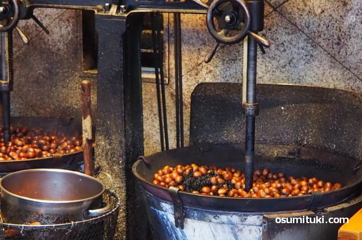 「林万昌堂」では2017年から丹波地方の「ぽろたん」を使った甘栗を販売