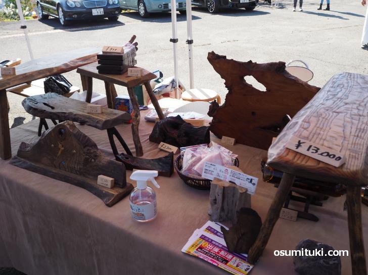木工製品の露店