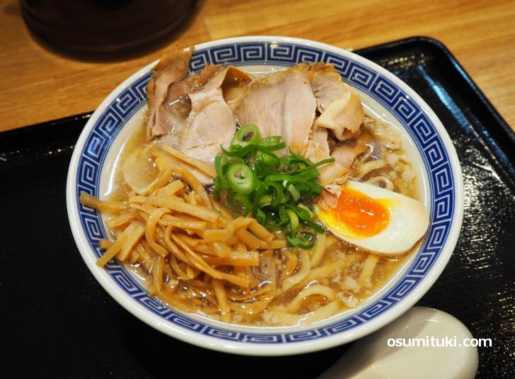 煮干し中華そば(780円)