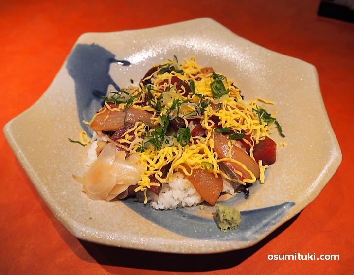 海鮮丼(1200円)