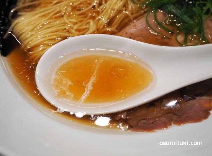 香りの良いスープ(鴨出汁中華そばROKU)