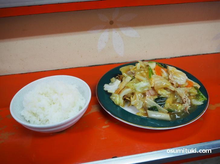 友楽菜館・あんかけ焼きそば実食レビュー