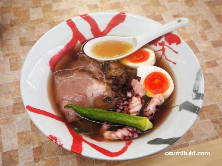 拉麺 その二(900円)明石蛸とボルチーニ茸のスープ