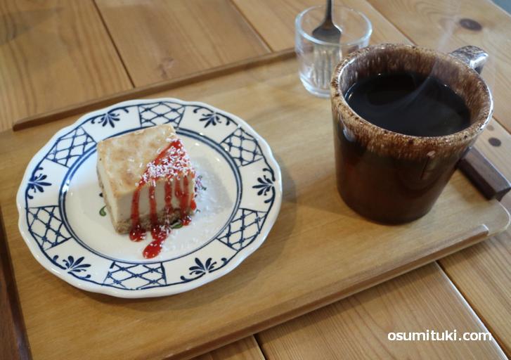 チーズケーキ・スペシャルティコーヒー(カフェ パラン)