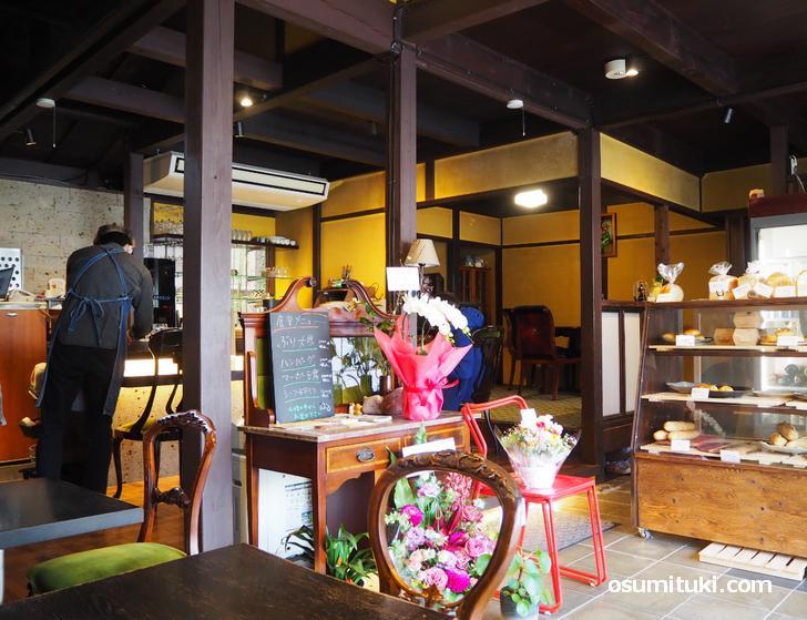ばく食堂&手作りパンの購買部(店内写真)