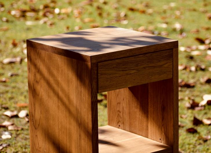 木工房六地蔵では注文を受けてオーダーメイド家具を販売