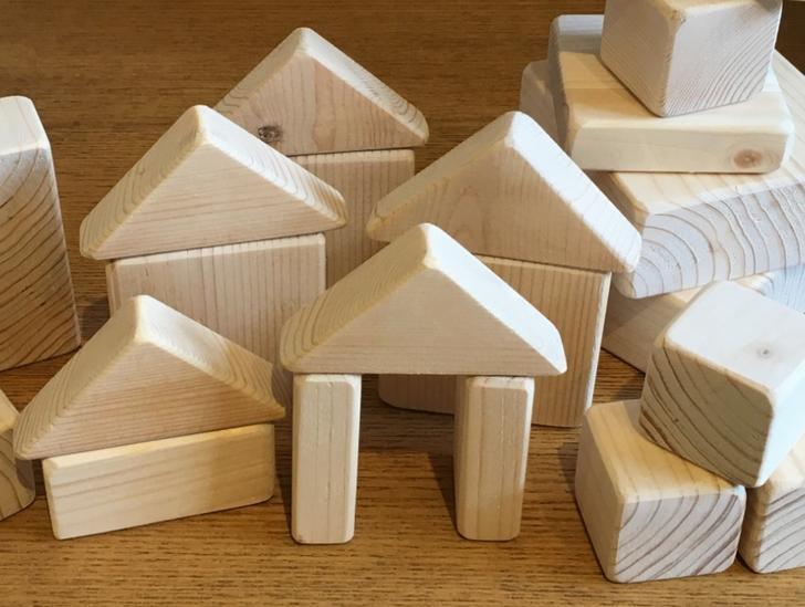木工のおもちゃなど