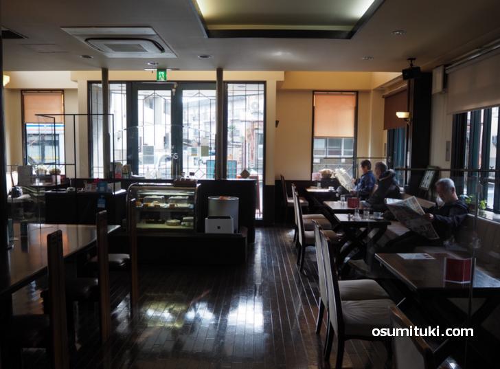 近所の嵐山ダンディ達の憩いの場「cafe RanZan(カフェ嵐山)」
