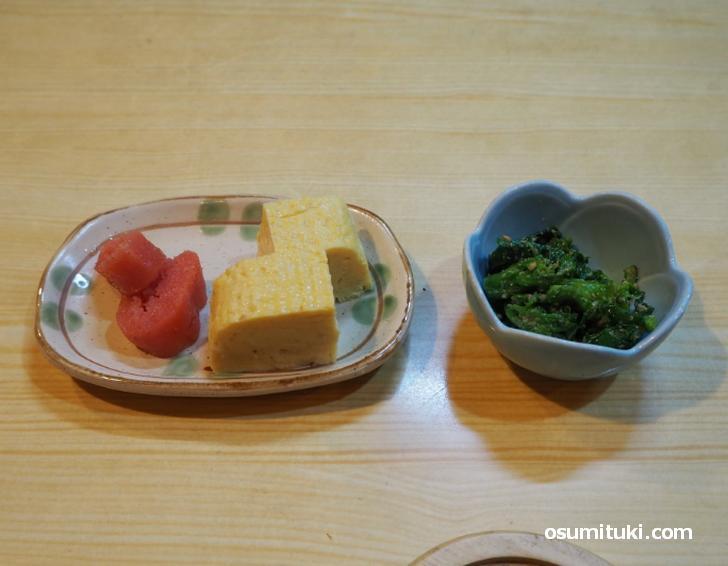 小鉢2品、お味噌汁・漬物