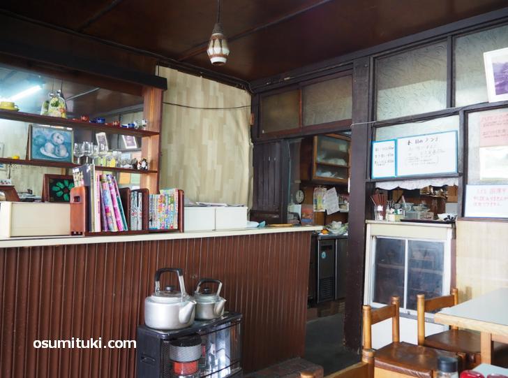 昭和初期の面影が残る店内(レストラン白扇)