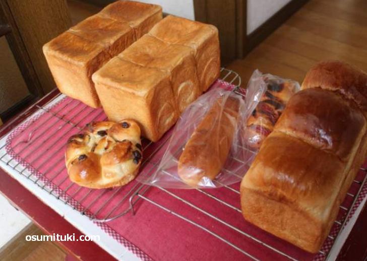 自宅の玄関でパンを販売「日時計パンとおやつ」が『人生の楽園』で紹介