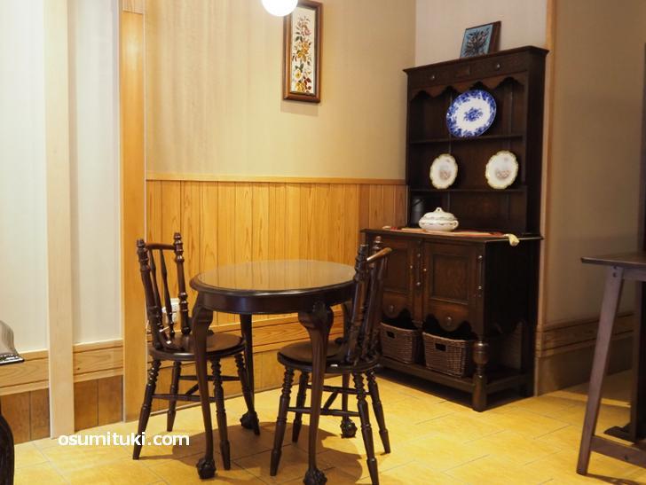 アンティークの調度品が素敵なカフェ(瓢堂珈琲)