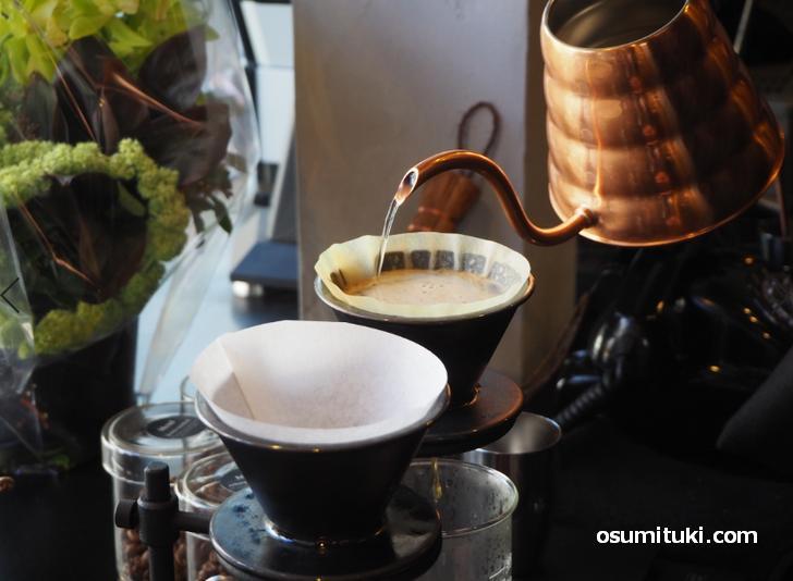 コーヒーは香りを最大限に引き出す抽出方法