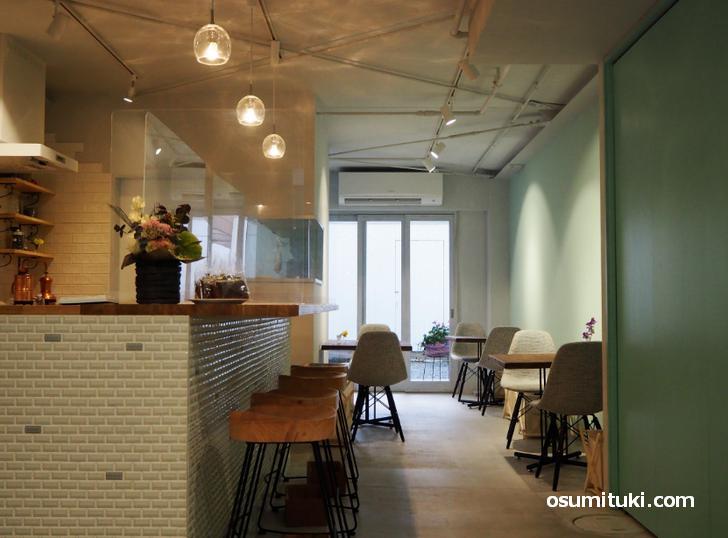 cafe grayish green(店内写真)