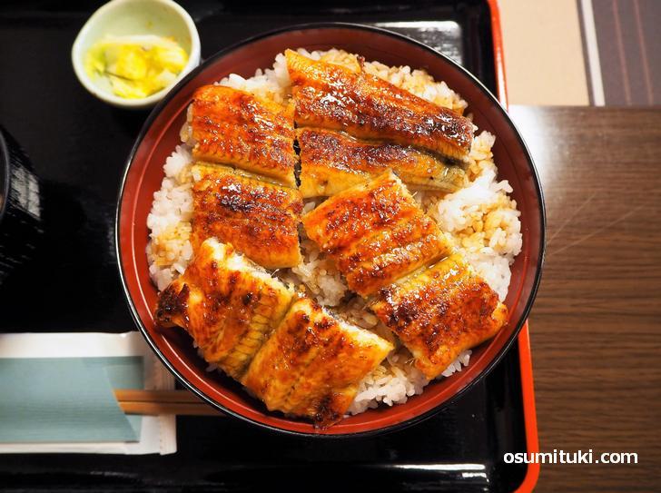 うな丼 上(鰻4切)2000円