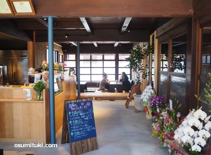 ハチハチカフェ(店内写真)
