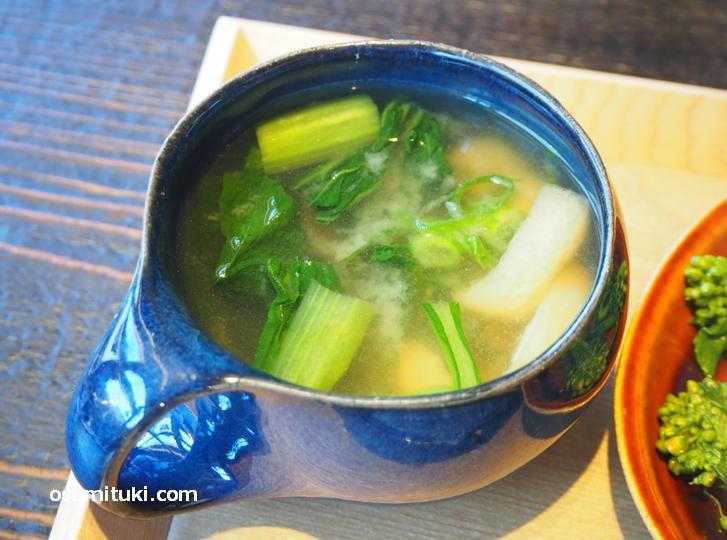 野菜スープはお味噌汁感覚で飲めました