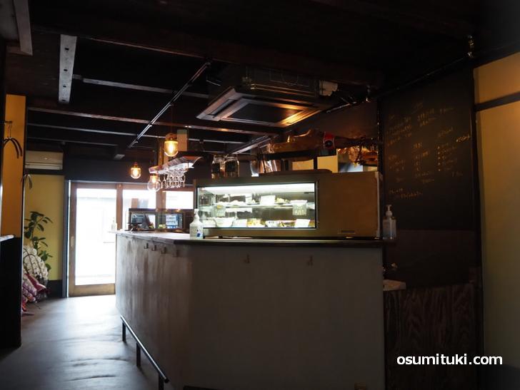 お酒と焼き菓子とおつまみのお店 あしべ(店内写真)