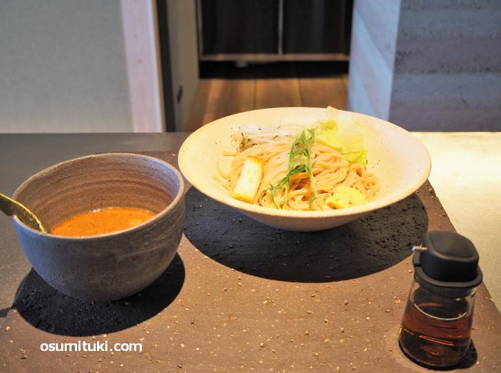 鶏つけ麺(1000円)