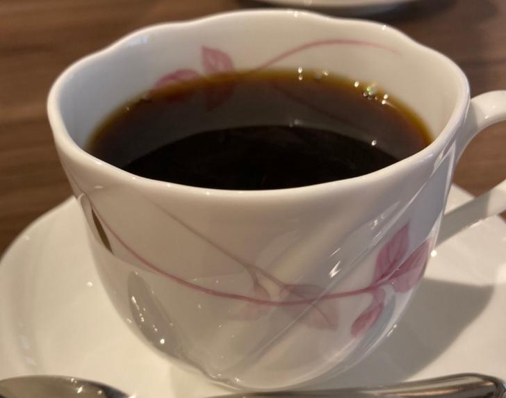 梁が見守る 兄弟カフェ「カフェけやき」が『人生の楽園』で紹介