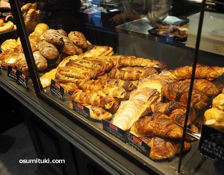 当日はオペラさんのパン販売もありました