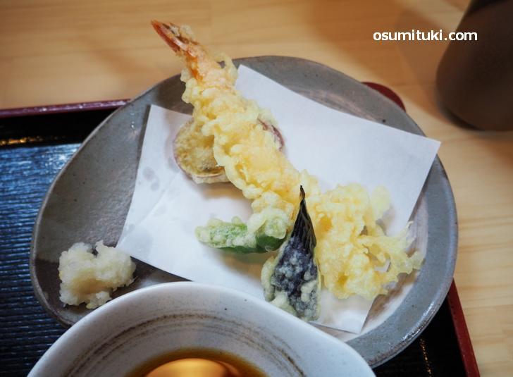 ランチの天ぷらは4種類